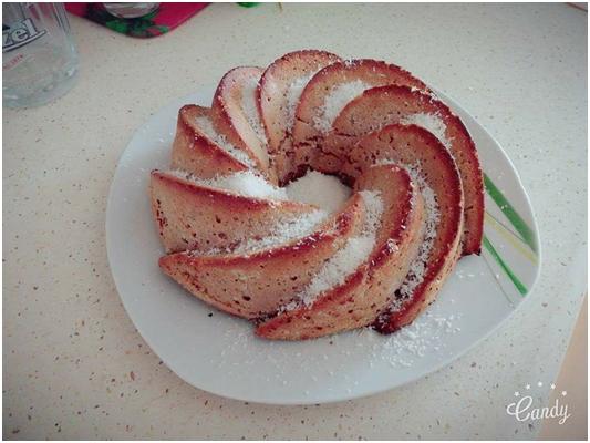 Šťavnatá orechovo - jablková bábovka